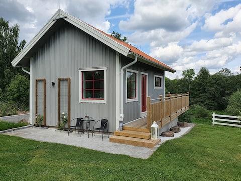 Casa rural recentment reformada amb precioses vistes del riu Hornborga