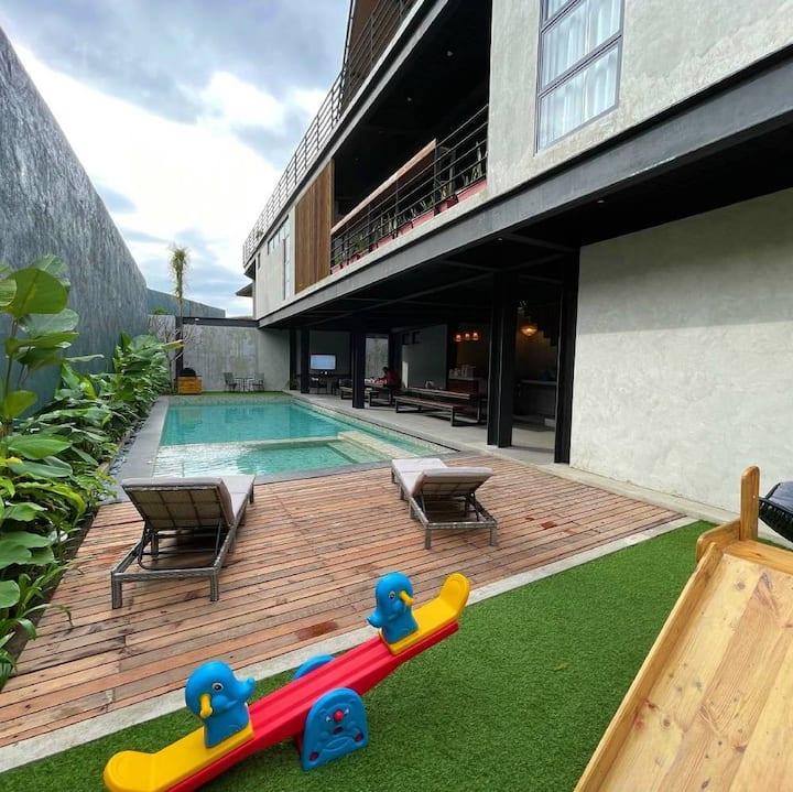 Lambana Villa | Casa Tropica Modern Villa w/ Pool