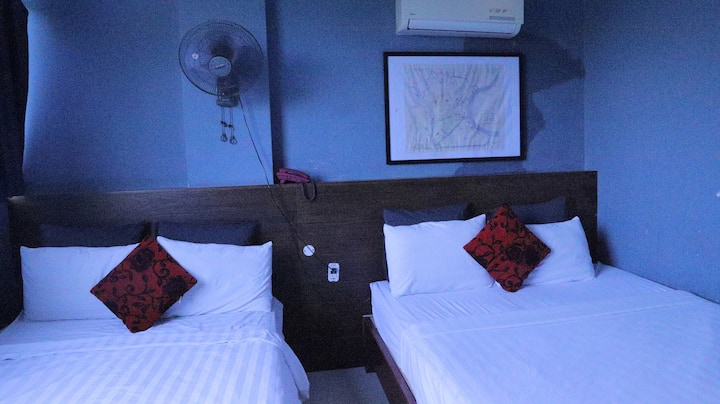 Double Bed For Family Or Group At Traveler Central