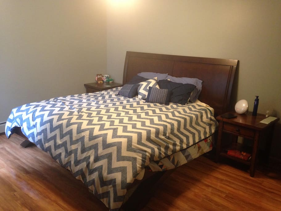 King-Size Temperpedic Bed