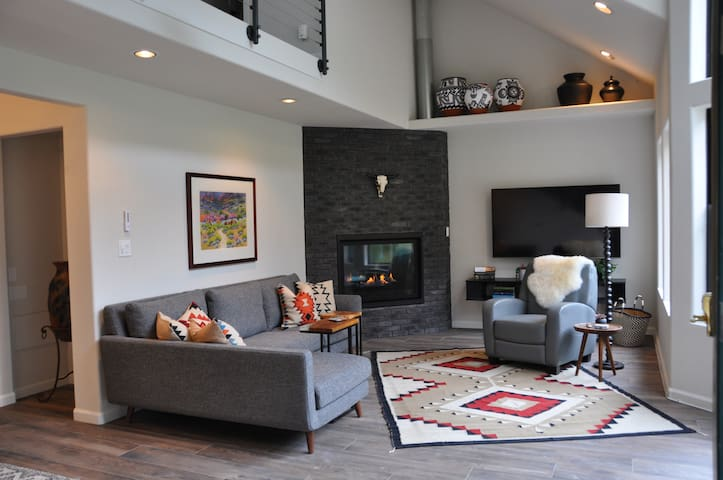 Newly Remodeled & Professionally Decorated Condo - Outdoor Patio