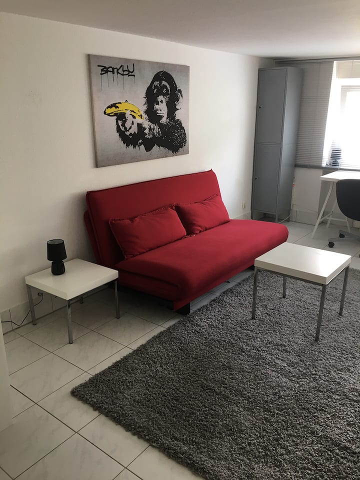 Ganze Wohnung 1 Bett Katzensprung nach Düsseldorf