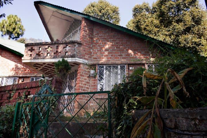 Red Brick Quarter, Bhowali - Sukha - House