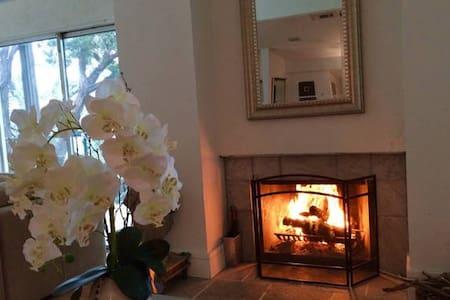 Escape To Luxury life At Lake Travis! - Casa