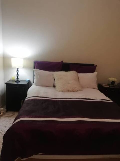 AJ Shared 2 bed Flat in quiet & secured  courtyard