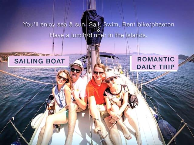 SailingBoatRomanticViewRelaxingCozy