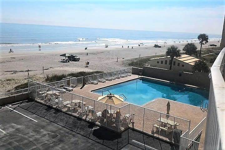 Newly Renovated Oceanfront Studio Apartment - Daytona Beach - Departamento