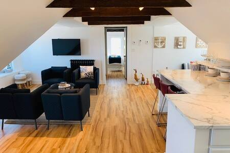Waterfront Loft Penthouse Condo Downtown Ch'town