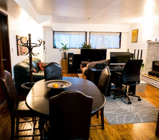 Feel at home in this comfy 1BR suite