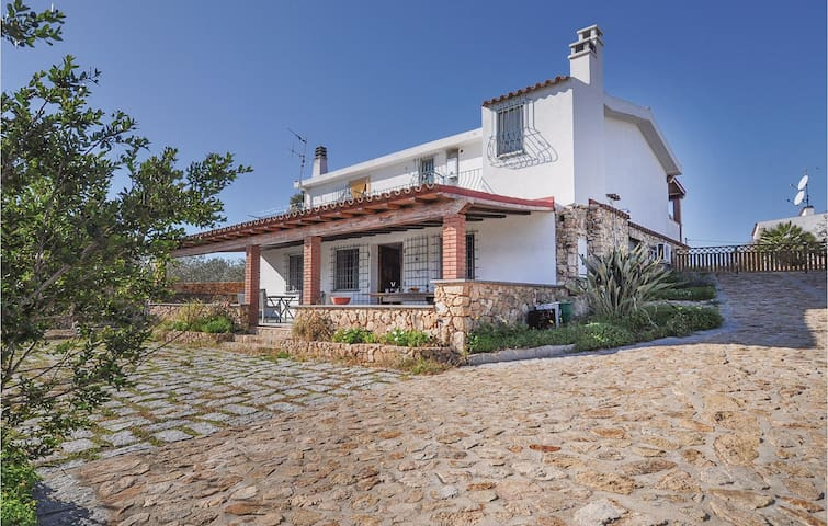 Semi-Detached with 3 bedrooms on 141m² in Orosei -NU-