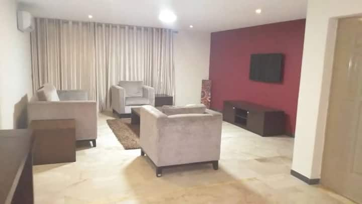 Premium apartment in Ikoyi with Chef/Housekeeping