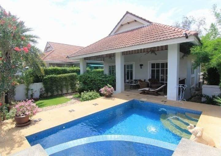 2 bedroom villa with pool in resort