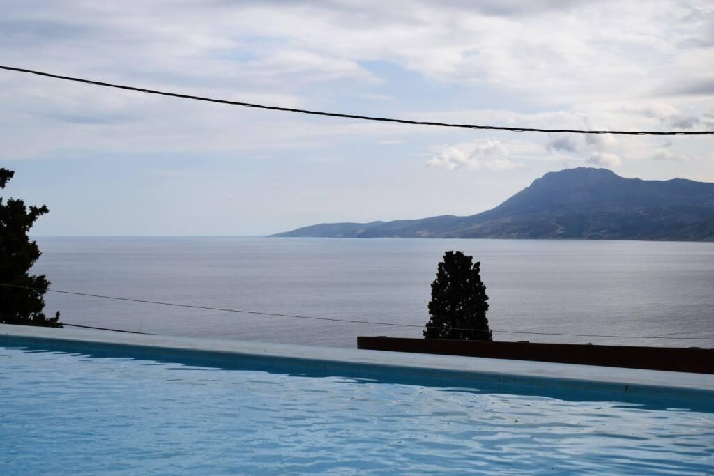 swimming pool/ θέα