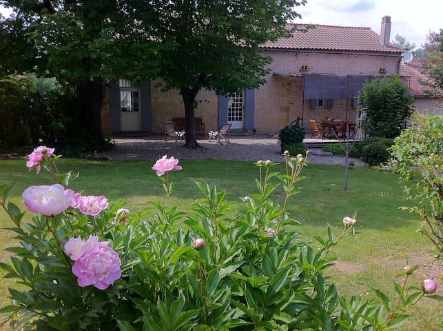 Le Clos de Longas - Ecologique - Sainte-Foy-de-Longas - Bed & Breakfast