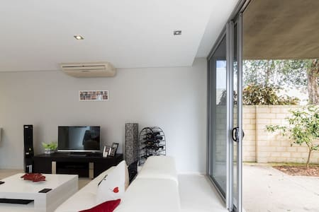 Queen room  with private bathroom - Shenton Park - Maison