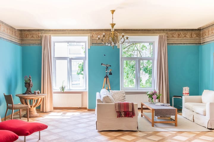 CHARMING OLD TOWN HEART APARTMENT