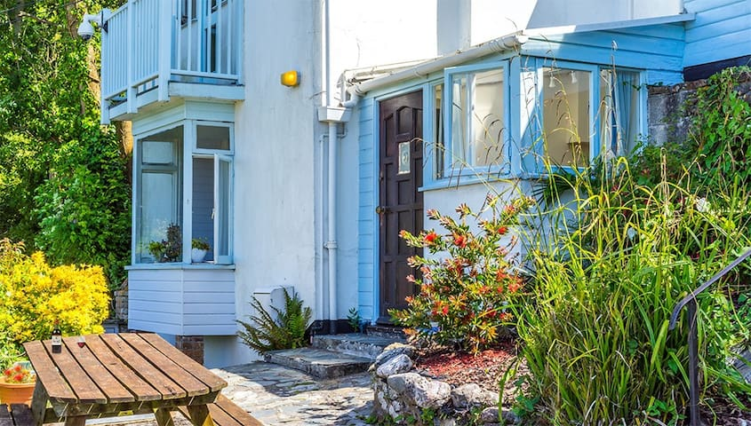 Looe Self Catering Harbour Views - Looe - Apartment
