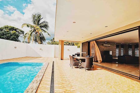 Tropical Luxury Villa, Spacious with Private Pool