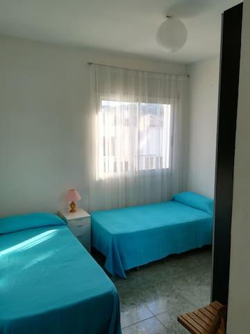 Habitación 2, con armario