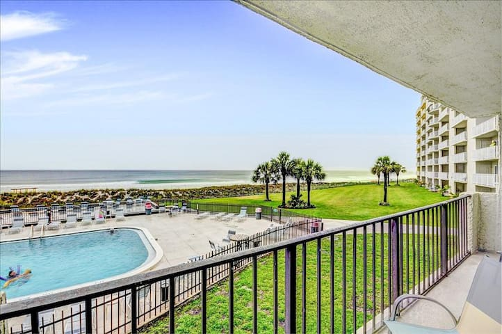 Gulf FRONT for 6! *OPEN (PHONE NUMBER HIDDEN)BR- Spacious Balcony- Moonspinner 211B - Panama City - Flat