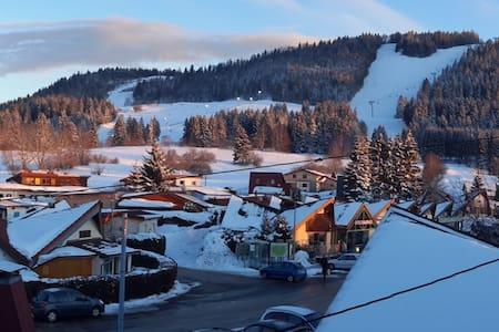 Chalet douillet et lumineux, pied des pistes 4pers - Métabief - บ้าน
