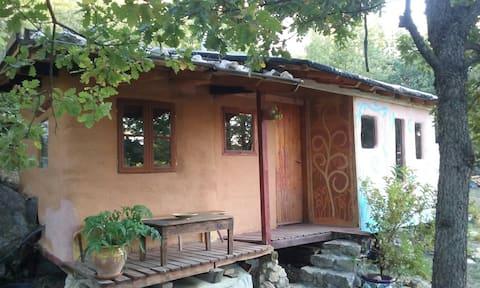 Cabana bioconstrucció a la muntanya, Coll de Nargo