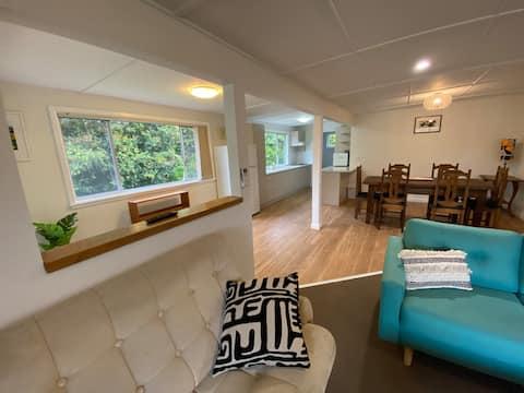 Siesta Berrara - The renovated Retro beach house!
