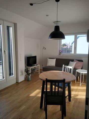 Wunderschöne 2-Zimmer-Wohnung mit Dachterrasse