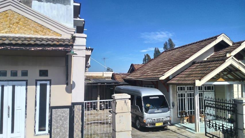 Homestay MUM Tosari - Tosari - Villa