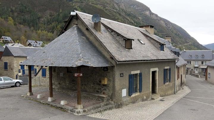 Maison chaleureuse avec  cheminée - Saint Lary