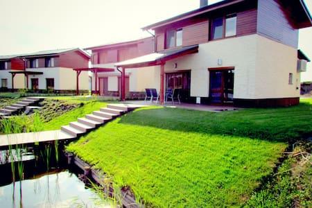 Villa Largos