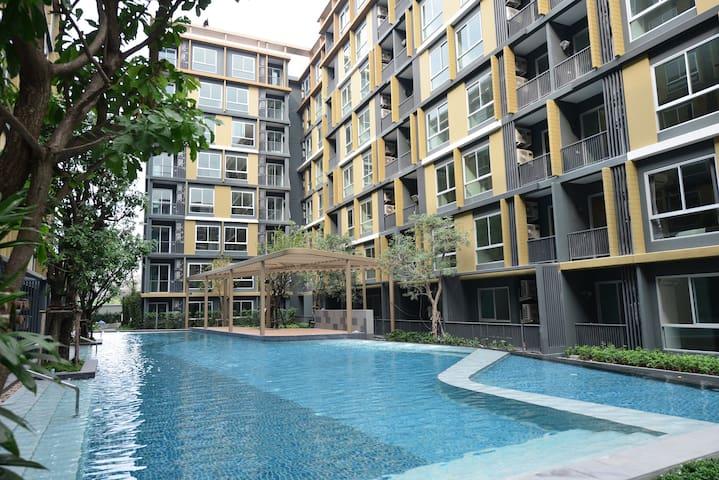 Condo for 2 near BTS Ekmai short and long stay - Bangkok - Kondominium