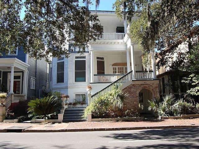 1880's Mansion on Forsyth Park -parlor 2 bedroom - Savannah - Pis