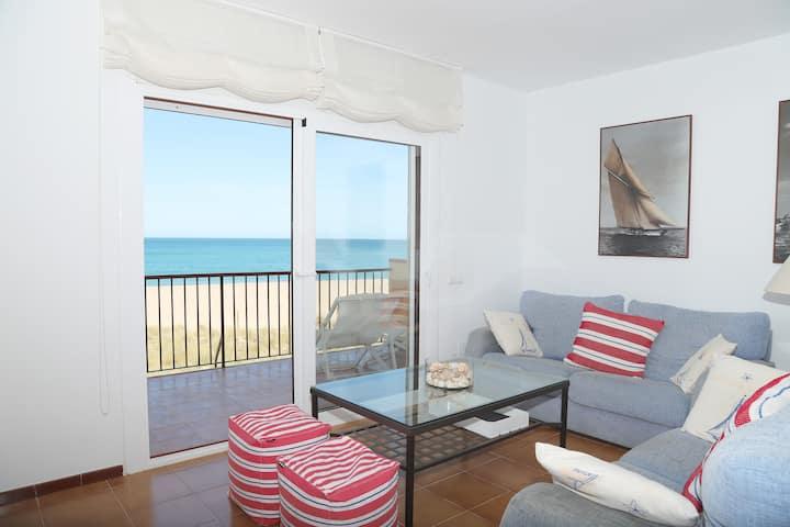 Apartamento en primera linea de mar.