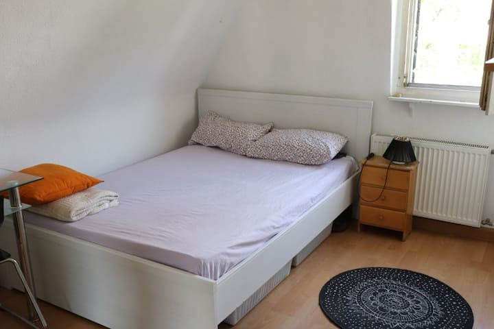 Bedroom in the historical center of Cologne