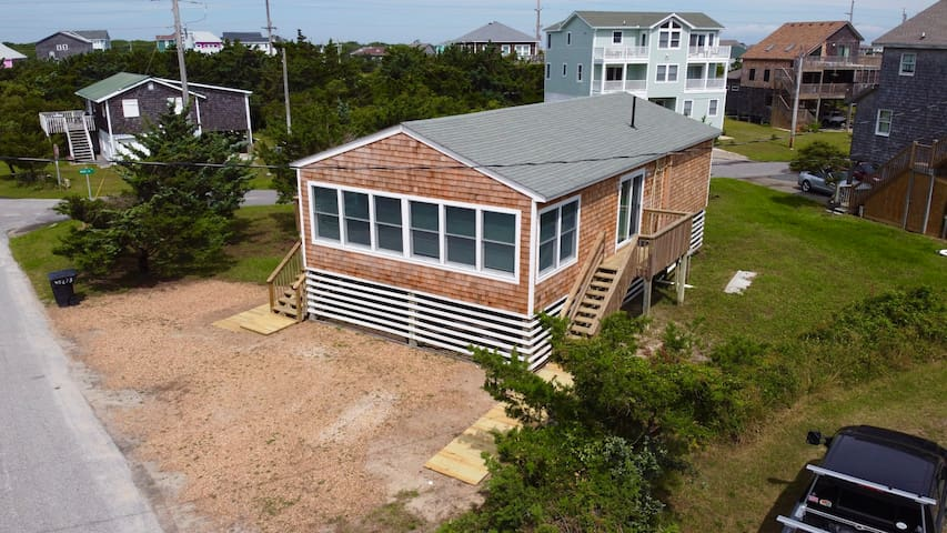 3 bedroom close to all Avon has to offer! Pristine beaches only a walk away!
