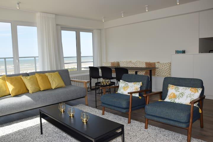 Gerenoveerd appartement met zicht op zee