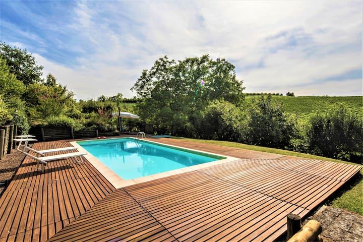 Villa Mezzaluna private pool,AC,Wifi,5km from Alba
