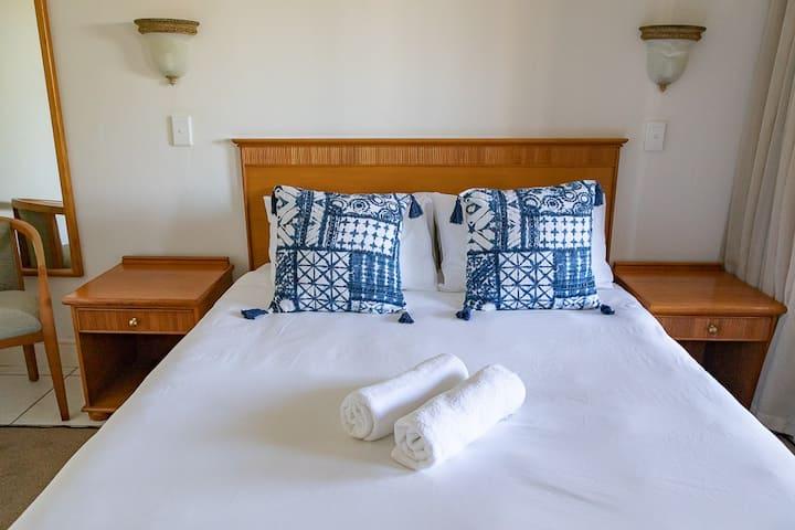 Castleton Comfort Apartment - 3 Sleeper