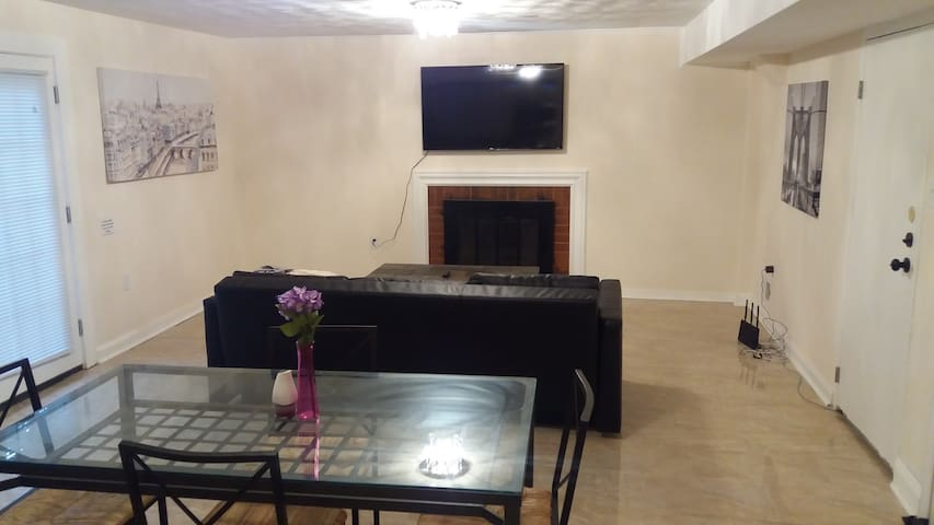 3 bedroom, Minutes to National Harbor and Casino