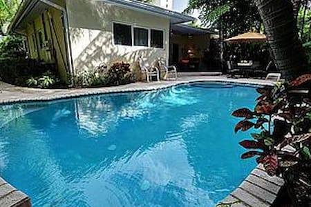 New! Highland Palms 3215 - Steps to Beach - Fort Lauderdale - Villa