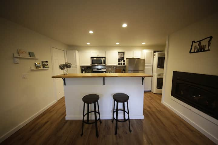 Cozy SE Portland Apartment Near Everything
