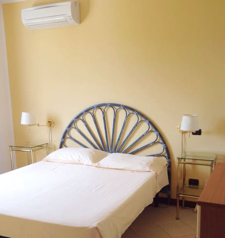 Bedroom kingsize, with airconditioner