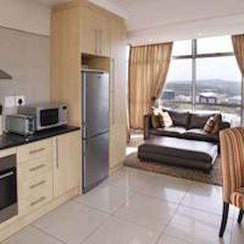 Luxury 1 Bedroom Apartment - Hydro Park
