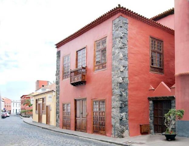 Casa Roja - Villa Atico - Garachico Colors