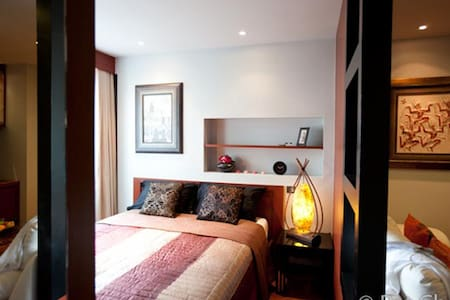 Cozy and Unique 1 BR/studio apt near Thong Lo BTS - Condominium
