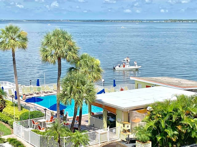 Ocean front condo with pool by Tampa Airport!