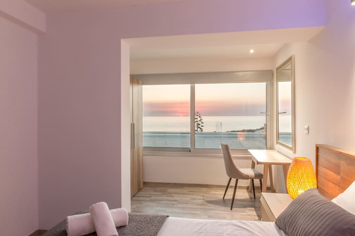 Deluxe double ensuit Bedroom with sea view