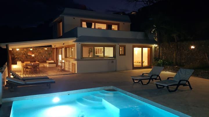 #COVI FREE# Superbe villa avec vue mer!