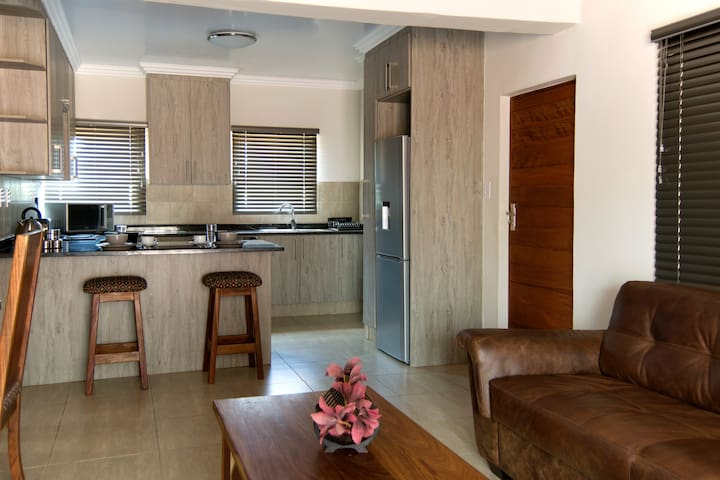 Camelot Self Catering Apartment 14